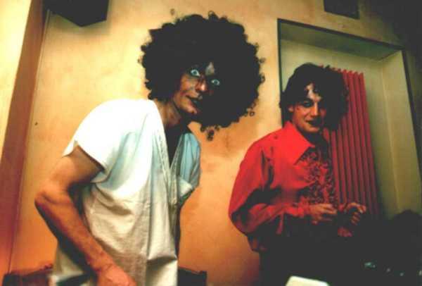 Dürfen wir uns vorstellen: Auch wir waren Rocknrolla, äh: Fürsten, meinen: Verrückt :-) Don Roberto & El Radi